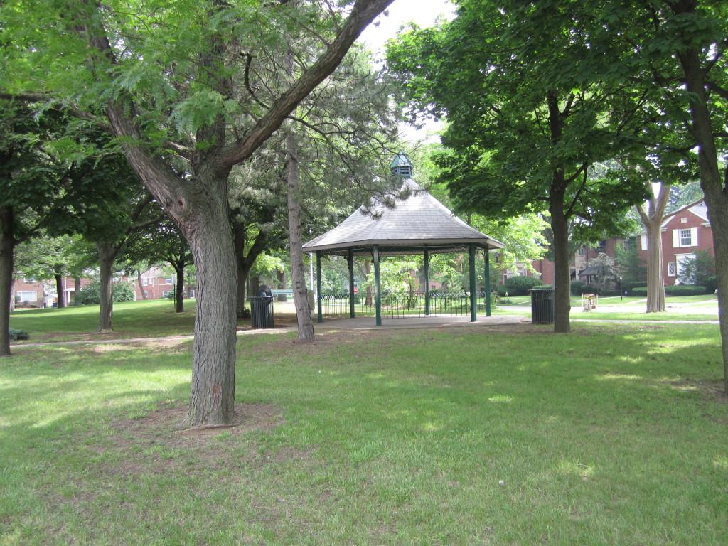 Hyde Park, Green Acres