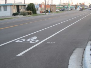 Conventional bike lane, Hilton & 9 mile
